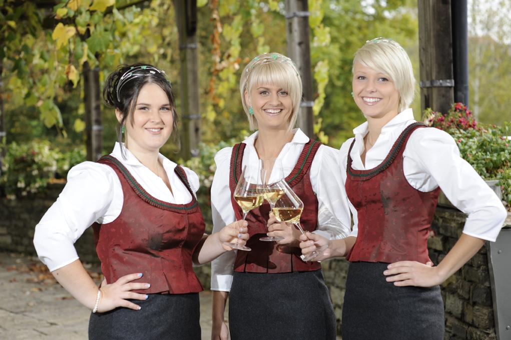 Weinhoheiten 2011-2013 Simone Krottmayer Glirschhof Krottmayer | Eibiswald Cornelia Gamser Weingut Gamser | Leutschach Franziska Maria Thurner Weinbau Thurner | Loipersdorf - Wein Steiermark