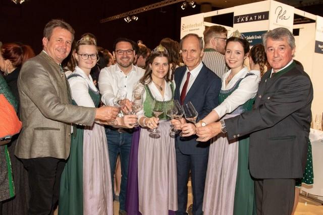 Winzer und Weinhoheiten bei der steirischen Jungweinpräsentation 2019 - Wein Steiermark