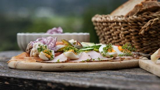 Traditionelle Bretteljause - ausgezeichnete Buschenschanken - Wein Steiermark